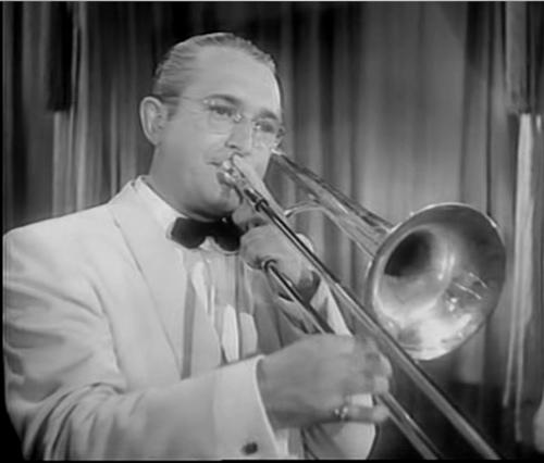 Tommy_dorsey_playing_trombone.jpg