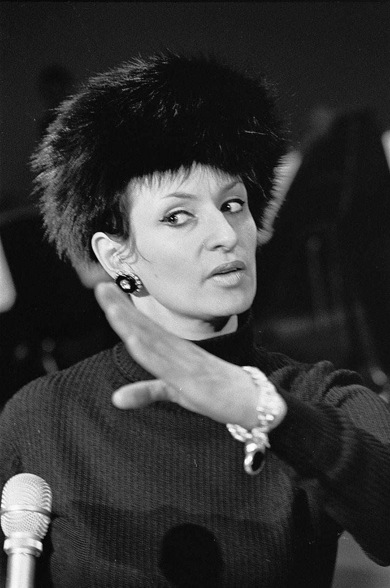 Barbara_1_(Repetities_1968-03-07_Grand_Gala_du_Disque_Populaire).jpg
