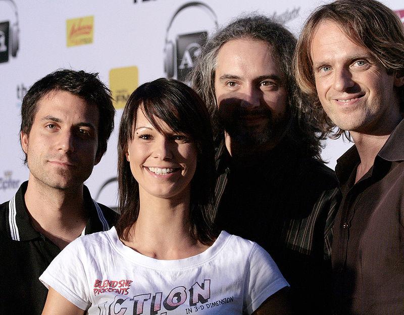 800px-Amadeus_Austrian_Music_Award_2009,_Christina_Stürmer_&_Band_02.jpg